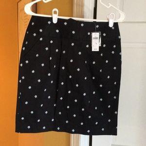 Gap front pocket black & white skirt